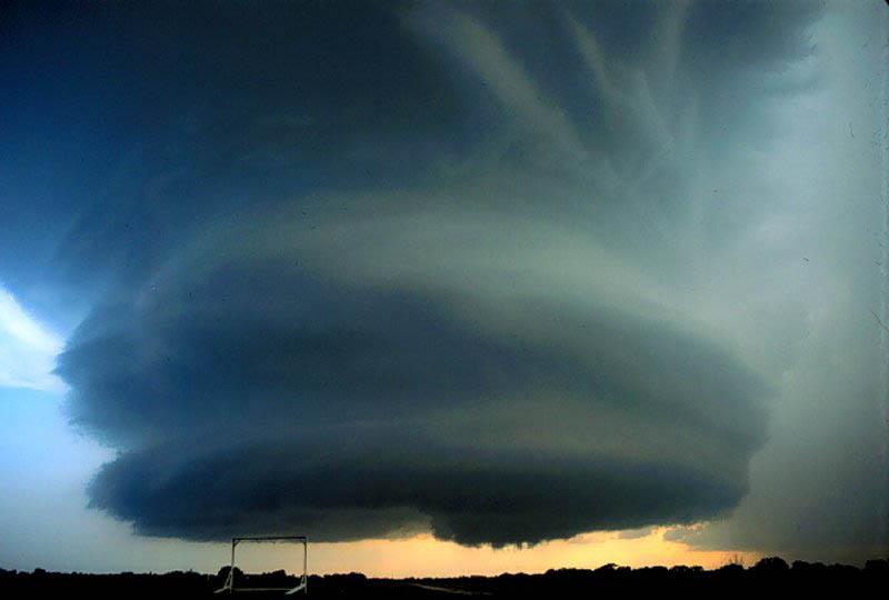 Торнадо явление природы картинки